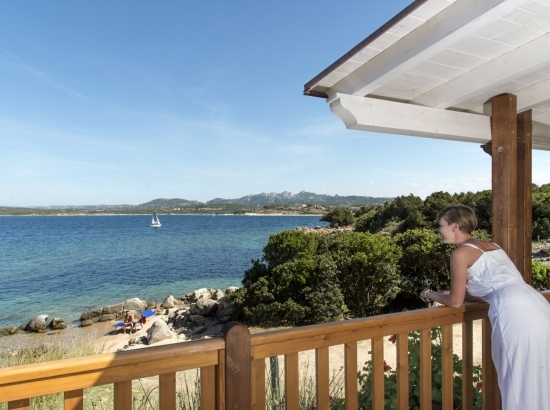 Vue sur la mer depuis la véranda de la suite Paradise Suite Bay Bungalow